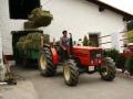 Belar fardoak traktorean etxera