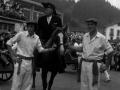 El capitán del ejército montado a caballo
