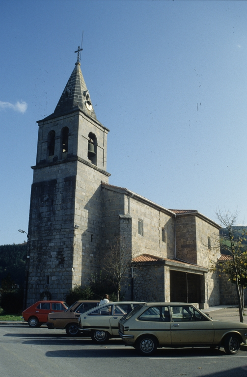Iglesia parroquial de San Pedro de Leaburu.