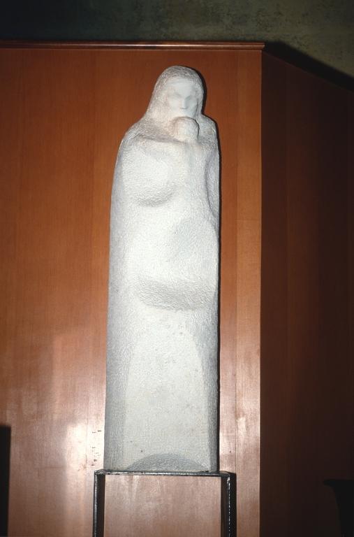 Iglesia parroquial del Sagrado Corazón de Jesús de Loiola. Escultura. Virgen con niño