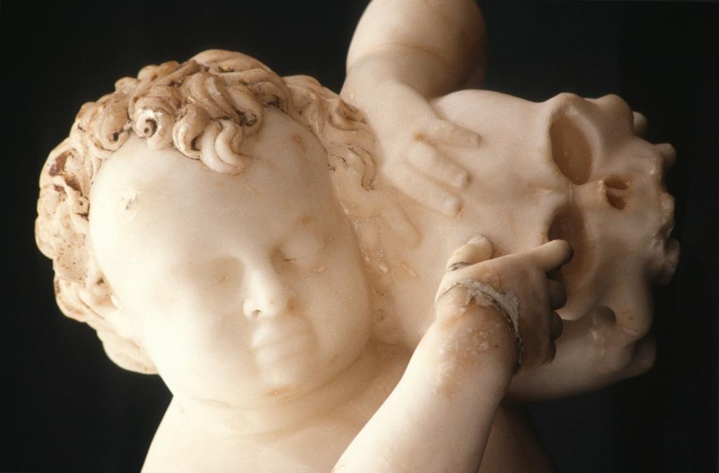 Museo Diocesano de San Sebastián. Escultura. Detalle del Paseo por el amor y la muerte