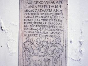 Iglesia parroquial de San Juan Bautista. Lápida de Juan de Yria