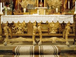 Iglesia parroquial de San Pedro. Mesa de altar