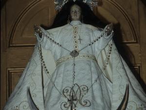 Ermita de la Andra Mari de Urrategi. Escultura. Andra Mari