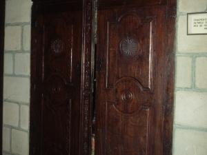 Iglesia parroquial de Nuestra Señora de la Asunción y del manzano. Armario y puertas