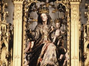 Iglesia parroquial de Nuestra Señora de la Asunción y del manzano. Escultura. Virgen del Manzano