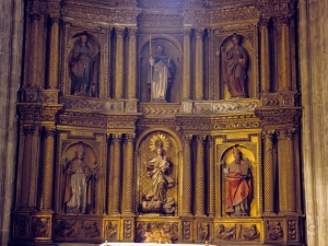 Iglesia parroquial de Nuestra Señora de la Asunción y del manzano. Retablo de la Virgen del Rosario