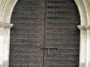 Iglesia parroquial de San Miguel Arcángel. Puerta