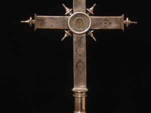 Iglesia parroquial de San Miguel Arcángel. Cruz relicario