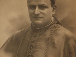 Iglesia parroquial de San Miguel Arcángel. Dibujo. Retratos papales