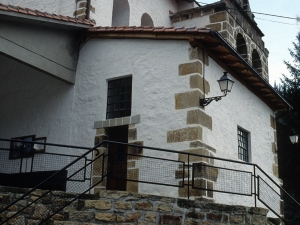 Iglesia parroquial de San Miguel Arcángel de Bolibar.