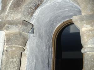 Iglesia parroquial de San Miguel Arcángel de Bolibar. Puerta