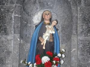 Iglesia de Santa María de Bedaio. Escultura. Virgen con niño