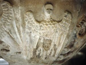 Iglesia de Santa María. Detalle de pila bautismal