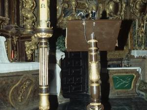 Iglesia parroquial de San Millán. Portacirios y atril