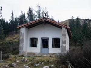 Ermita de San Juan en Aizarna.