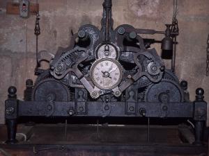 Iglesia parroquial de San Esteban. Reloj de torre