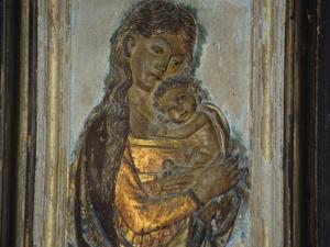 Ermita de San Martín. Maternidad de la Santísima Virgen. Relieve