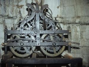 Iglesia parroquial de Nuestra Señora de la Asunción Gaztelu. Reloj de torre