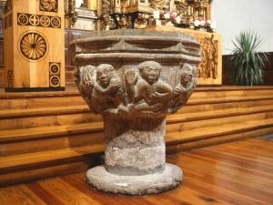 Iglesia parroquial de Santa Catalina. Pila bautismal
