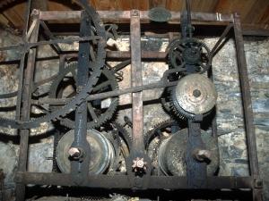 Iglesia parroquial de la Invención de la Cruz. Reloj de torre