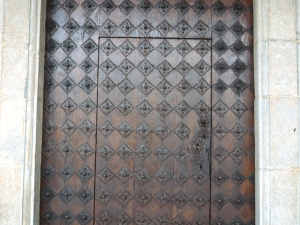 Iglesia parroquial de la Invención de la Cruz. Puerta