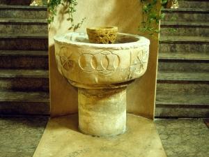 Iglesia parroquial de San Andrés. Pila bautismal