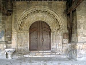 Iglesia parroquial de San Andrés. Portada