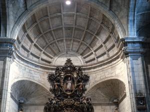 Iglesia parroquial de San Nicolás de Bari. Detalle del retablo mayor
