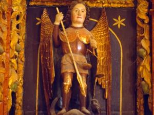 Ermita de la Andra Mari de Esozia. Escultura. San Miguel Arcángel