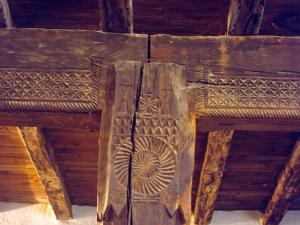 Ermita de la Andra Mari de Esozia. Talla en madera