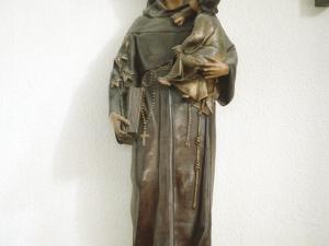 Iglesia de San Pedro del muelle. Escultura. San Antonio