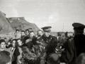 """ASISTENTES AL ACTO FUNEBRE EN LA IGLESIA DE MUTRIKU EN HONOR A LOS 7 MARINEROS DESAPARECIDOS EN EL BARCO PESQUERO """"KULIXKA"""" EN LA MADRUGADA DEL 29 DE DICIEMBRE DE 1945. (Foto 8/9)"""