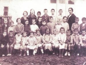 Alegi auzoko eskolaumeak 1925-26 ikasturtean.