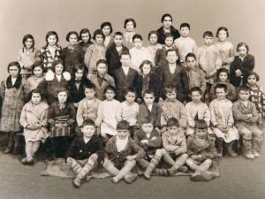 Itsasoko Alegi auzoko eskolaumeak 1932-33 ikasturtean.