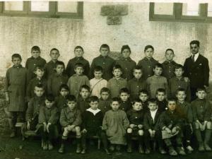 Eskolako mutikoak 1925-26 ikasturtean, (A).