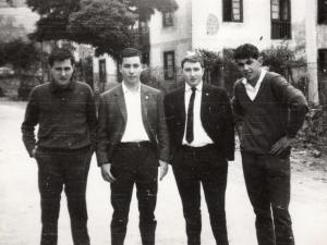 Ormaiztegiko laukotea 1964. inguruan.