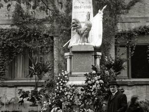 MONUMENTO A LOS CAIDOS EN LA PRIMERA GUERRA MUNDIAL SITUADO EN LA ESCUELA FRANCESA. (Foto 1/1)