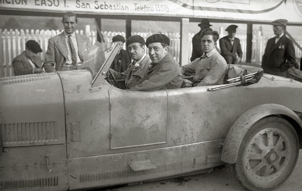 CARRERA AUTOMOVILISTICA EN EL CIRCUITO DE LASARTE. (Foto 194/493)