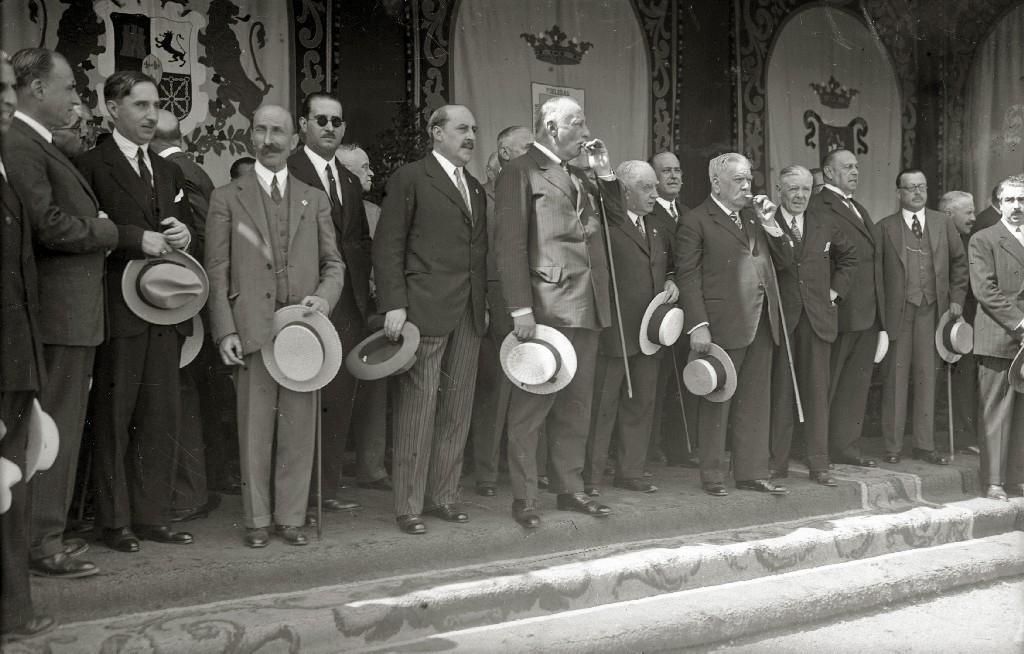 RECIBIMIENTO AL GENERAL MIGUEL PRIMO DE RIVERA EN EL AYUNTAMIENTO DE SAN SEBASTIAN. (Foto 2/6)
