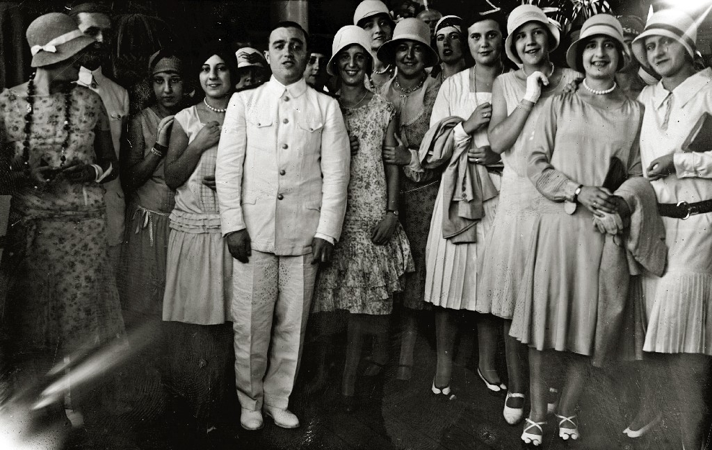 """RECEPCION A BORDO DEL BUQUE DE  LA ARMADA ARGENTINA """"PRESIDENTE SARMIENTO"""" FONDEADO EN LA BAHIA DONOSTIARRA. (Foto 2/7)"""