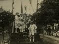 San Sebastián : grupo de niños en una carroza del carnaval