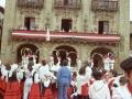 Arku-dantza en la plaza de los Fueros, durante la celebración de fiestas