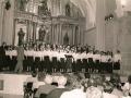 Actuación de la coral de Oñati en el interior de la Iglesia de Santa Ana