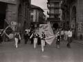 Grupo Oñatz taldea entrando en la plaza de los Fueros