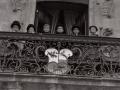 Niños disfrazados de autoridades en el balcón de la Casa Consistorial