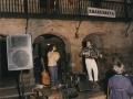 Gezalaga anai-arrebak alaitutako gaztainerre jana herriko plazan