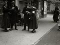 GRUPO DE MUJERES POSTULANTES POR LAS CALLES DE SAN SEBASTIAN. (Foto 10/20)