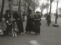 GRUPO DE MUJERES POSTULANTES POR LAS CALLES DE SAN SEBASTIAN. (Foto 11/20)