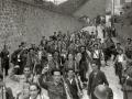 GRUPOS DE MILICIANOS CON SUS ARMAS EN LA LOCALIDAD DE ALEGIA. (Foto 6/10)